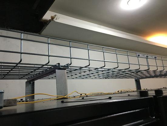 Server Room Ceilings : Supply basket tray to g traffic monitor server room